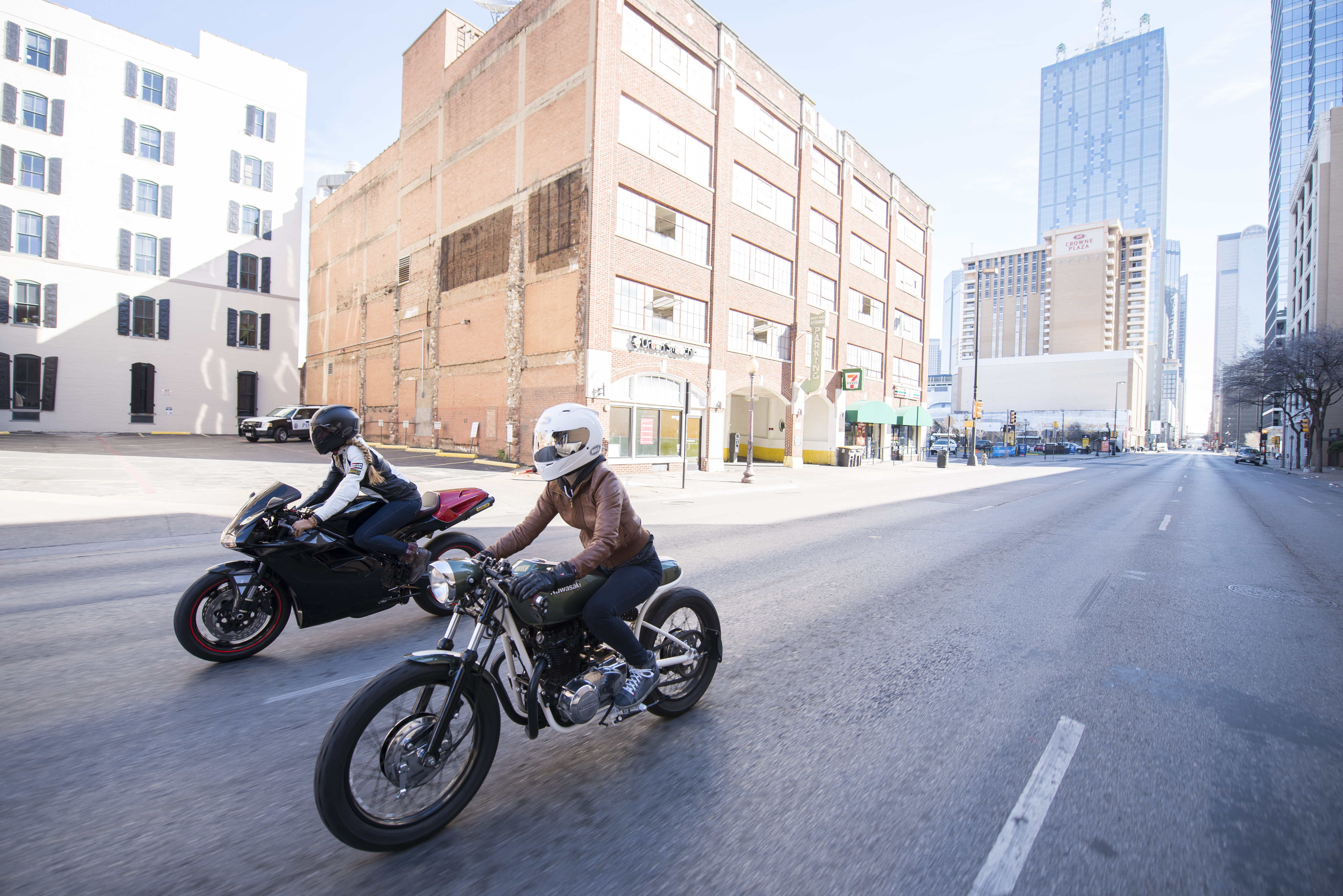 Loryn and Sofi riding in downtown Dallas | RIDEWELL